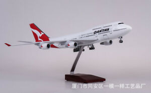 QANTAS 747 1/150 747-400  Airplane 47cm Passanger Plane Model Display Toy Gift