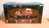 ROAD Signature 1914 Ford Model T Fire Engine  1:18 scale ( NIB )