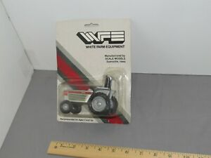 Vintage WHITE 2-32 Utility Tractor 1:32 scale New Card Scale Models WFE