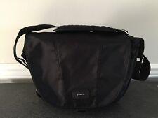 TAMRAC Aria 6 Camera Bag, BLACK, Water-Resistant,Messenger Shoulder Strap, EUC