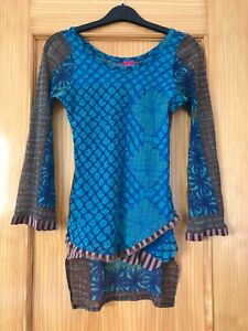 """Stunning Save The Queen 3/4 Sleeve Top, M(30"""" to 34"""" Bust), NWOT"""