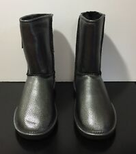 Bearpaw Emma Short Size 7 Black/Silver NWT!