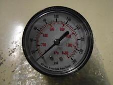 """NOS METRIC PRESSURE GAUGE 4EFE7 63MM PSI: 0-200 KPA: 0-1400 BSPT: 1/4"""" DRY FILL"""
