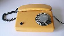 TELEPHONE ANCIEN VINTAGE EN PLASTIQUE JAUNE ANNÉES 50 DESIGN DETEWE
