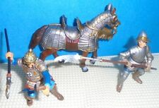 2005 Lot Schleich HORSE and 2 KNIGHTS from Tournament Gold trim