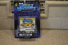 NEW MUSCLE MACHINES 70 OLDSMOBILE 442 WHITE 02-57 (i)