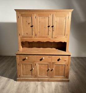 Beautiful High Quality 1920's Large Farmhouse Dresser In Vintage Pine