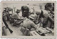 Soldaten beladen ihre Motorräder Zündapp 750 Weltkrieg Foto Bild 10x15cm