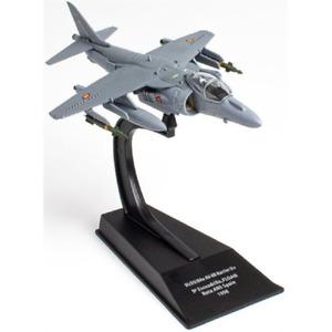 Hachette MU06 McDonnell Douglas  BAe AV 8B Harrier II Air Fighters Scale 1:100