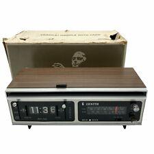 Vintage ZENITH FLIP CLOCK RADIO MODEL E465W (Works) See Description 1970s 80s