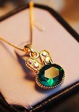 Rabbit Necklace Pendant Crystal Green Rhinestone Gold Coloured Chain Fashion