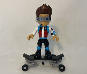 Paw patrol Ryder mission figure with skateboard (45)