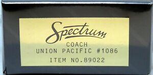 HO Bachmann Spectrum 89022 UNION PACIFIC Heavyweight Coach UP #1086 Interior NEW