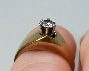 Ladies 18ct solid Gold Solataire. Excellent Cut 1ct Diamond Ring size G