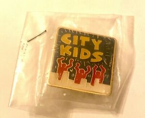 Ultra Rare Limited KEITH HARING 1988 Original Enamel City Kids Pin