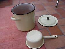 vintage casserole faitout couvercle émaillés jaune pâle déco rétro idée KDO