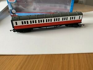 Hornby R9295 Thomas and Friends James Composite Coach with box