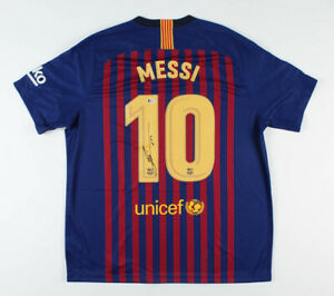 """Perfect Lionel Messi Signed Nike FC Barcelona Jersey Inscribed """"Leo"""" Beckett COA"""