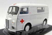 Ambulances miniatures en acier embouti