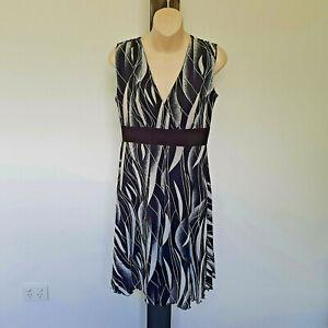 'L.LINDA' EC SIZE '12' BLACK & WHITE PRINT SHEER LINED SLEEVELESS 'V' NECK DRESS