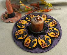 "Primitive Wool Felt Candle Mat Penny Rug Kit, Wool Embroidery ""SPOOKY HALLOWEEN"""
