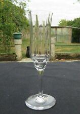 flûte a champagne en cristal  de baccarat modèle capri signé H 18,5 cm