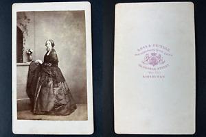 Ross et Pringle, Edinburgh, Portrait de femme Vintage cdv albumen print Tirage