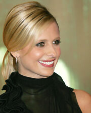 Sarah Michelle Gellar 8X10 Color Photo Smiling