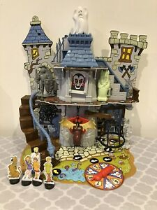 Scooby-Doo! Haunted House 3D Board Game - 7 Traps -  Box & instructions
