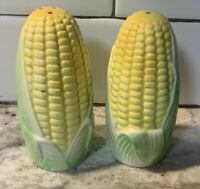 Vintage! 1970s  corn salt and pepper shakers ceramic