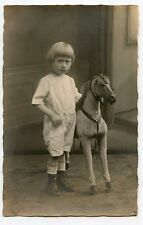 Carte-Photo . Jouet ancien .CHEVAL DE BOIS. Old toy . Photo-card .Wooden horse