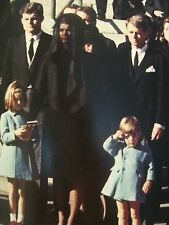 JOHN F KENNEDY FUNERAL SOLDIERS SALUTE KENNEDY FAMILY TIME MAGAZINE 1963 PHOTO