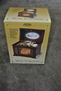 New Mr Christmas Victorian Era Sleighride Player Piano Style Music Box VIDEO