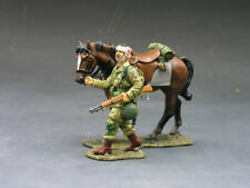 RETIRED - King & Country - DD072 - Paratrooper with Walking Horse