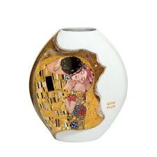 """Goebel Porzellan Gustav Klimt """"Der Kuss Porzellanvase"""" Reliefvase mit Echtgold"""