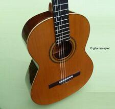 4/4 Spanische Konzert-Gitarre Cuenca 30 Zeder massiv klangvoll bundrein Top!