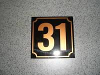 Hausnummer-Schild Kunststoff mit  Wunschtext NEU