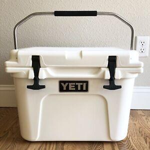 YETI Roadie 20 Hard Cooler - White