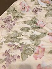"Ivory with Pastel Floral Grape 66"" Damask Round Tablecloth No Stains Excellent"
