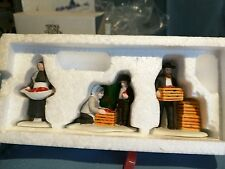 """Department 56 Heritage Village Accessory """"Amish Family"""" 3 pc #5948"""