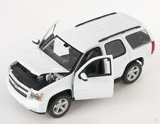 BLITZ VERSAND Chevrolet Chevy Tahoe 2008 weiss white Welly Modell Auto 1:24 NEU