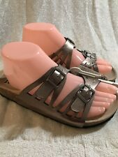 MUDD, Size Small (5/6) Women's Sandals in a Bronze Metallic Color.  NEW.