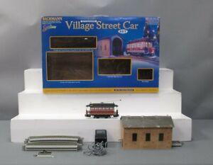Bachmann 25017 On30 Christmas Village Steetcar Set/Box