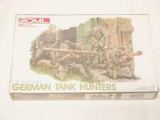 1/35 Dragon DML German Tank Hunters WW2 4 Figure Set Plastic Model Kit 6034 New