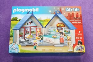 PLAYMOBIL CITY LIFE 70111 TAKE ALONG DINER. SUITABLE FOR 4 YEARS & OVER