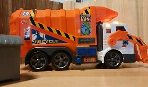 Dickie Toys Müllauto, Müllabfuhrwagen, batteriebetrieben mit Licht&, Sound, Kipp