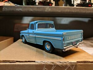 Motormax 1966 C10 Chevy Pickup 1:24 Scale Diecast 537 Lt. Blue Cameo White