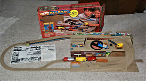 Vintage Mattel Hot Wheels RAILROAD Freight Yard - Sto & Go - with BOX -  NICE!