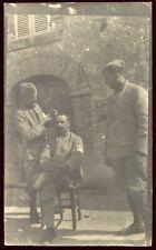 photo de la guerre 1914-1918 . le coiffeur