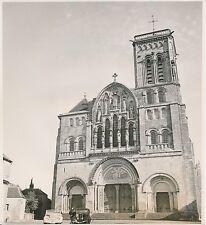 VEZELAY c. 1900-20 - Voitures anciennes Cabriolet  La Basilique L'Yonne Div 7223